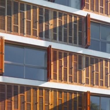 """Edificio mixto """"Viatges Manacor"""""""
