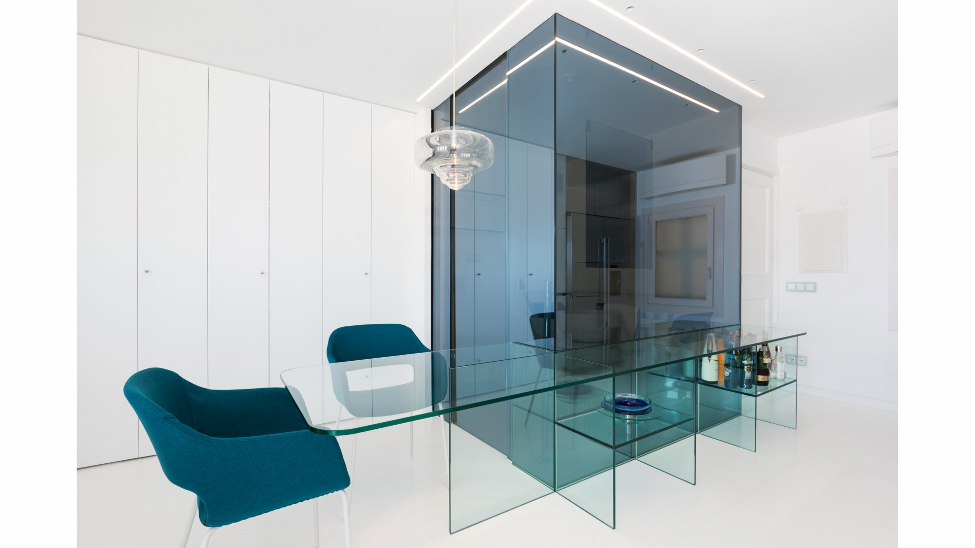 a2arquitectos-glass-apartment-01